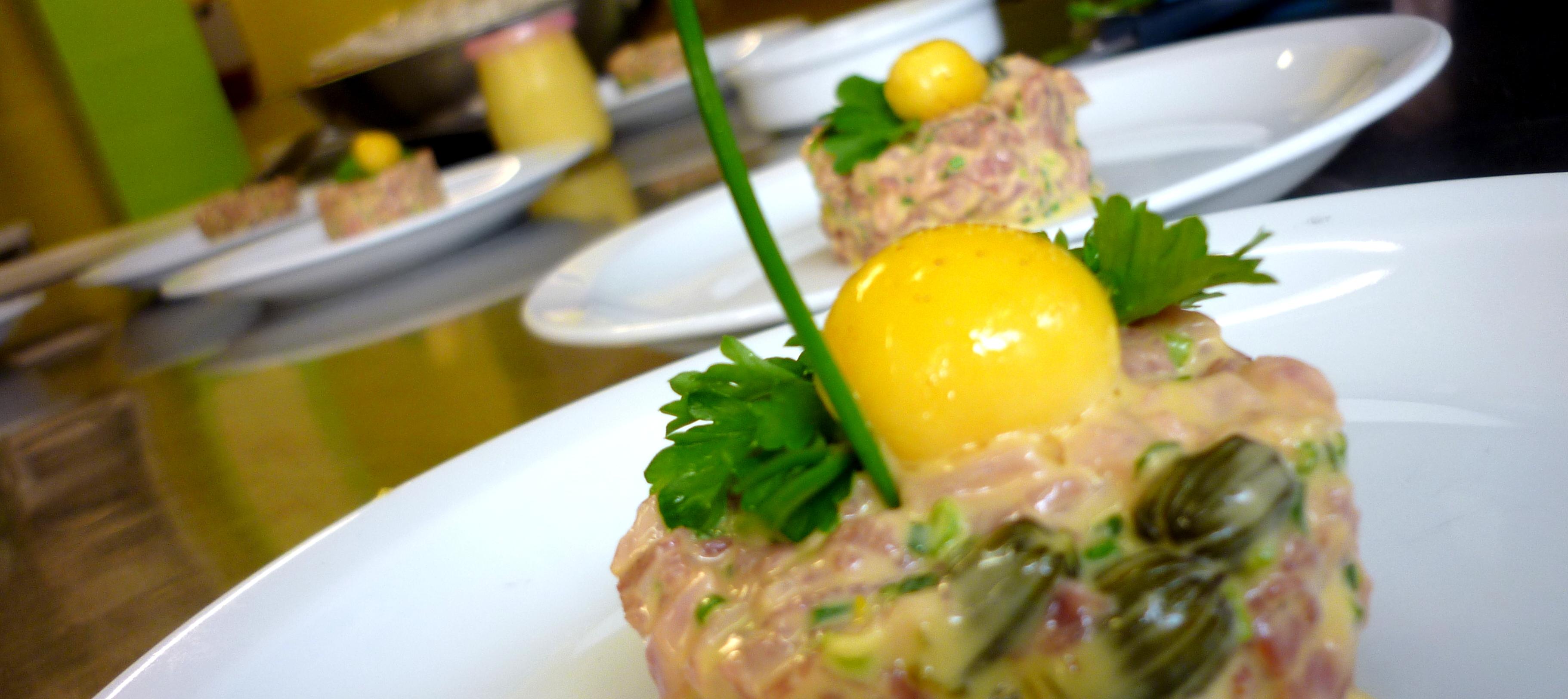 Tartare de boeuf c pres de pissenlit cuisine sauvage asbl - Tartare de boeuf cyril lignac ...
